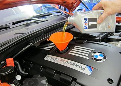 Замена масла в двигателе BMW фото