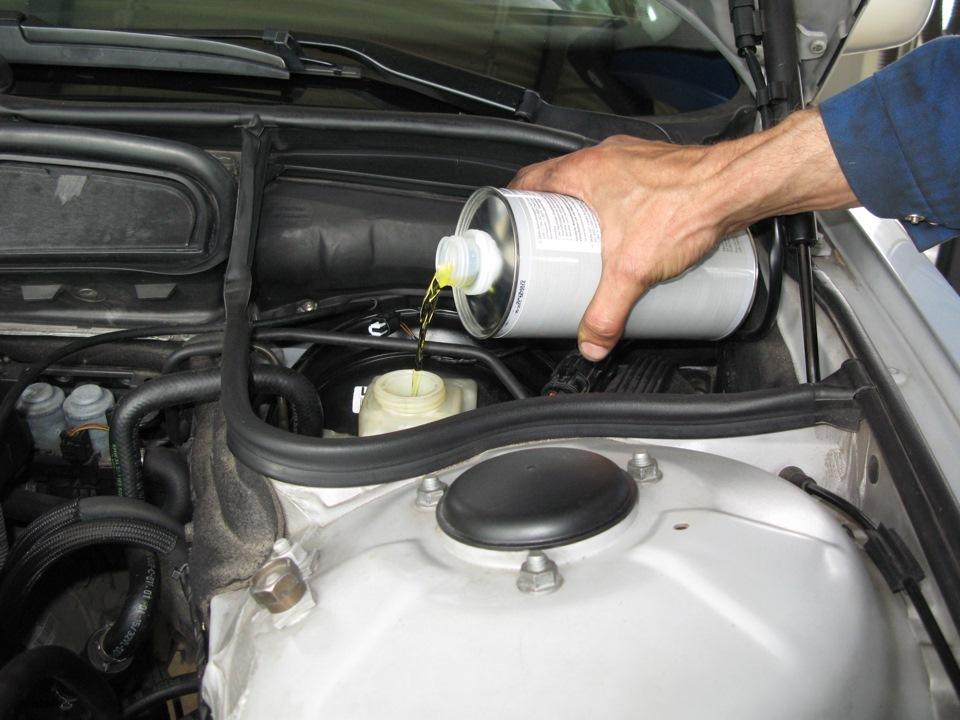 Замена тормозной жидкости BMW