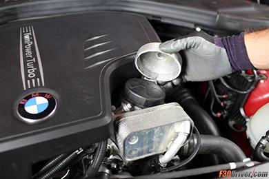 Замена масла в двигателе БМВ фото