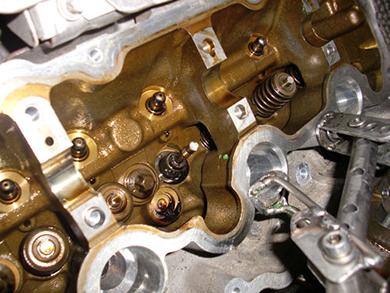 Замена маслосъемных колпачков BMW 4